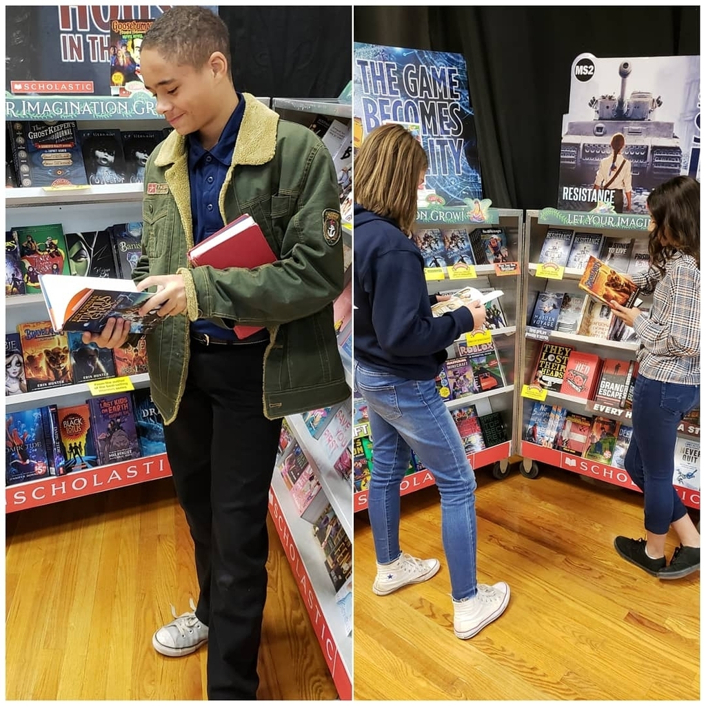 fall book fair 2019 students reading
