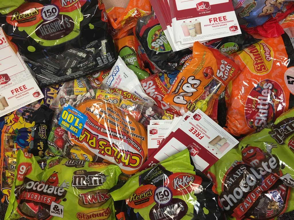trick or treat night 10/18 candy